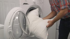 Duvet and pillow: How to wash & clean the duvet and pillow?